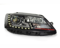 Передние фары Джетта 6 2011-2015 V16 type [RED line; Комплект Л+П; ходовые огни; биксеноновая линза Хелла 5R; электрокорректор; OEM replica]